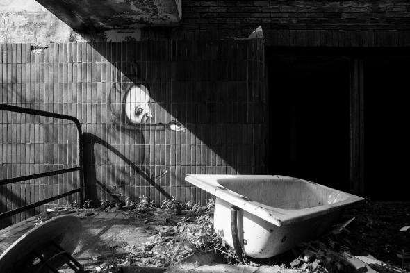 polphail, portavadie, argyll, tarbet, deserted, town, village, sinister, dark, creepy, eerie, photographs, black and white, scenery, landscape, view