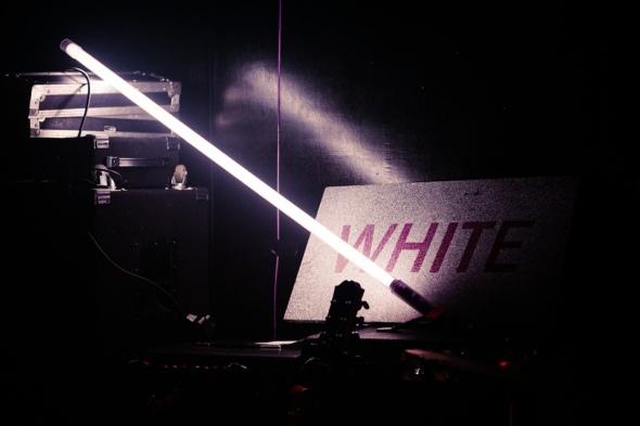 White_Poetry Club_140220_002